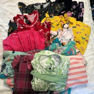 12 Girl Dresses Sz Small/6 👗